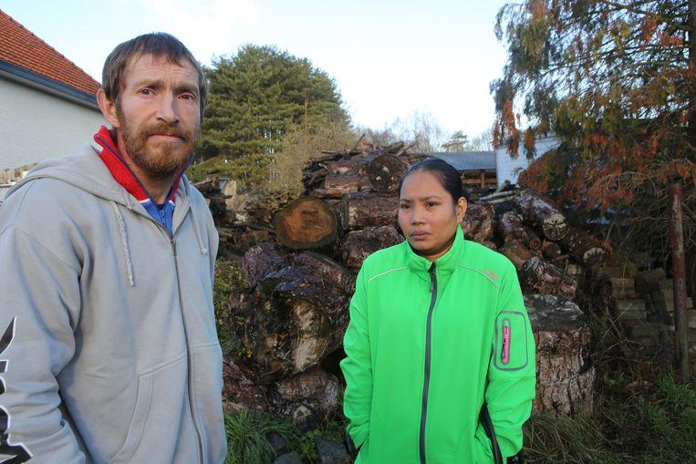 Peter Vos en echtgenote Rose Ruby  hebben zowat alles verloren in de brand, op hun kleren die ze aanhadden na. Hun twee kinderen konden ze net in veiligheid brengen.
