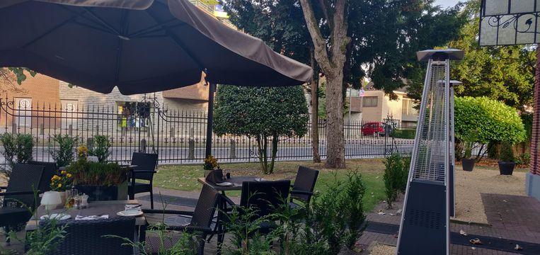 Het fraaie terras: in het centrum, maar toch erg rustig.