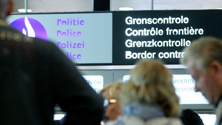 Het is binnenkort niet meer voldoende om enkel jouw paspoort te tonen bij het verlaten of binnenkomen van de Europese Unie.