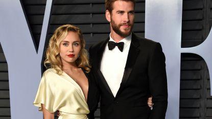 """Miley Cyrus schrijft opvallend grappige liefdesbrief naar haar man: """"Ik ben dol op je vieze sokken op de vloer"""""""