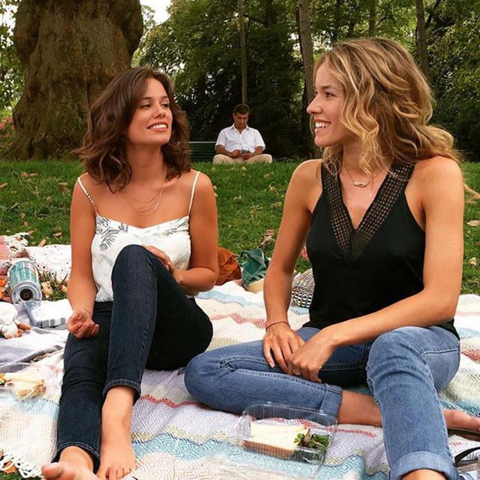 """Lucie Lucas et Elodie Fontan sur le tournage de la série """"Clem""""."""