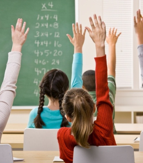 Mogelijk sneller nieuwe school in Hoek