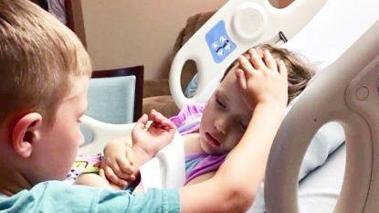 """""""Hij wilde niet van haar zijde wijken"""": jongetje (6) neemt afscheid van zijn terminaal ziek zusje (4)"""
