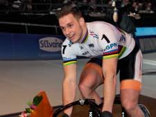 Luyksgestelnaar Harrie Lavreysen rijdt teamsprint bij WK baanwielrennen