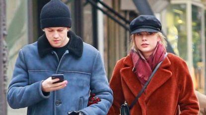 Zeldzame foto's: Taylor Swift en vriend Joe Alwyn hand in hand gespot in New York