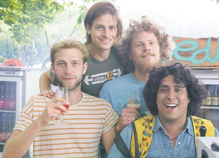 De vier oprichters van brouwerij Oedipus leerden elkaar kennen op de middelbare school en lappen alle regels aan hun laars. Beeld Trouw