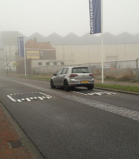 Verkeersremmers moeten De Willem Ruysstraat in Vlissingen veiliger maken