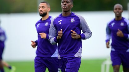 """Sambi Lokonga gelooft dat het zal kantelen onder Vercauteren: """"De seizoensstart? Ik geef ons 6 op 10"""""""
