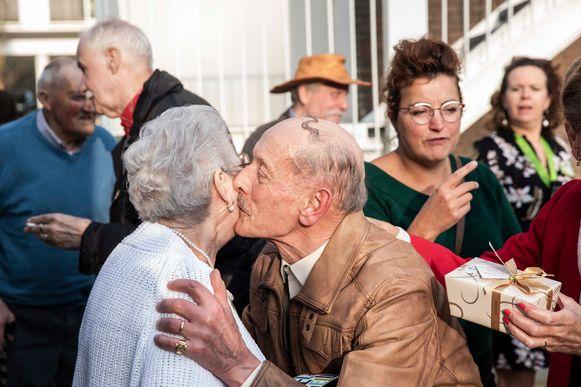 Zelden een man zo gelukkig gezien. René Lismont springt rond als een dartel veulen.