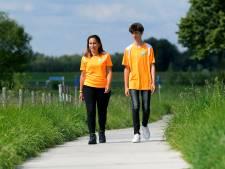 Noé (13) loopt met zijn moeder de Alternatieve Vierdaagse voor zijn opa én het goede doel
