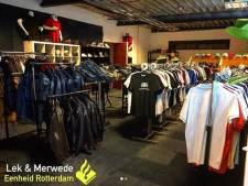 Pand vol nepmerkkleding ontdekt in Bleskensgraaf
