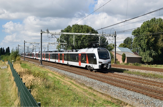 De stoptrein van Abellio die rijdt tussen Arnhem en Düsseldorf.