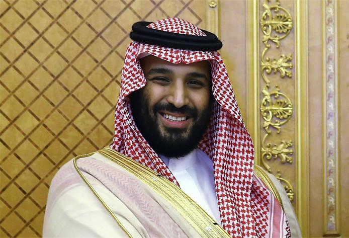 Kroonprins Mohammed bin Salman heeft de touwtjes in Saudi-Arabië stevig in handen. Hij profileert zich als hervormer die het land een nieuwe koers wil geven. Amnesty International waarschuwt voor teveel optimisme. Enkele dagen geleden werden in het land twee vooraanstaande activisten voor de mensenrechten veroordeeld. Zij kregen zware gevangenisstraffen.