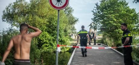 Man (24) overleden na schietpartij bij druk strand in Amsterdam