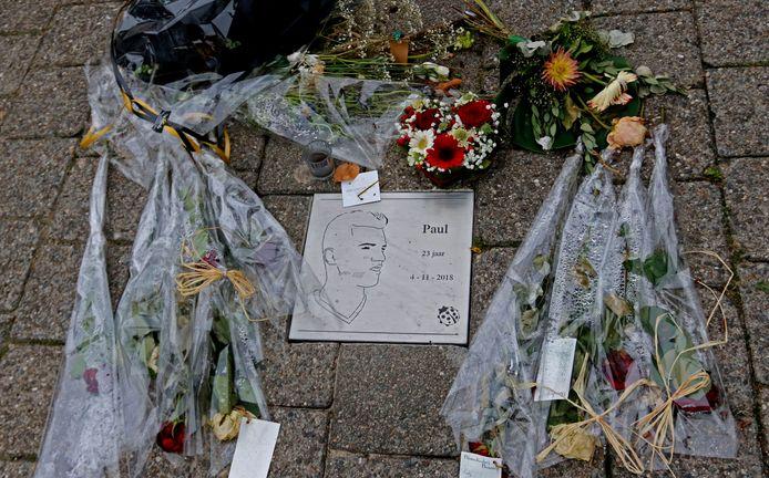 In Breda is een gedenksteen neergelegd voor Paul Pluijmert.