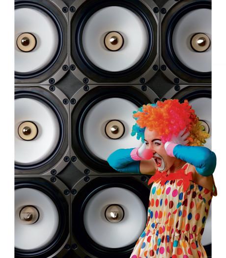 Bouwers carnavalswagens moeten boxen op zichzelf in plaats van toeschouwers richten