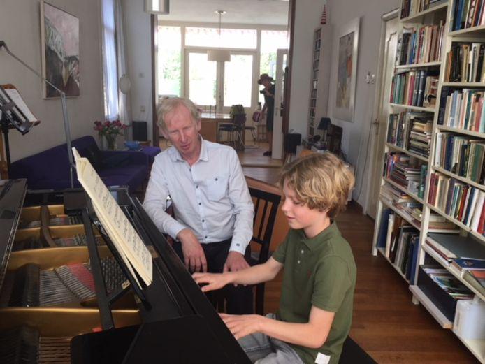 Jo Sporck met een van zijn leerlingen