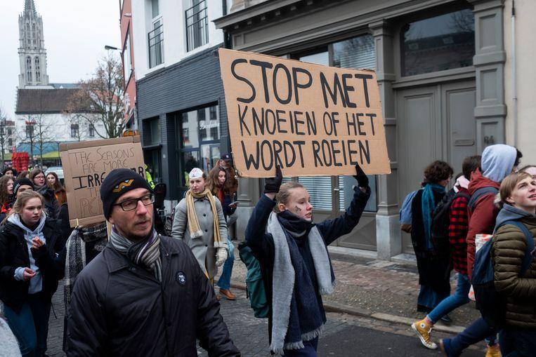 Aan orginele slogans geen gebrek op de manifestatie