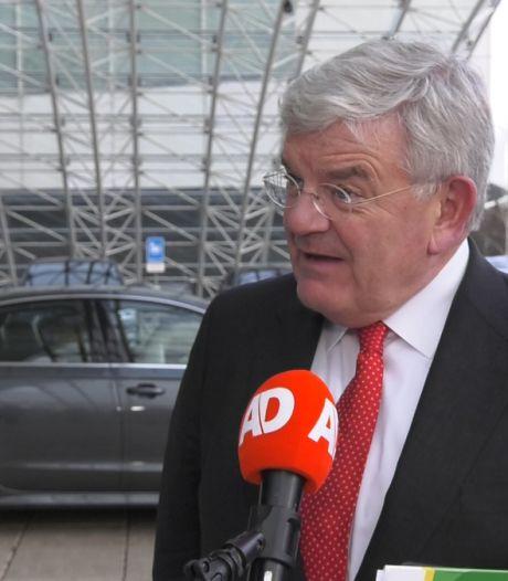 Van Zanen over ongeregeldheden: 'Niet te tolereren, OM onderzoekt opruiing op sociale media'