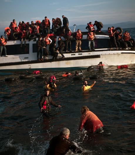 Zeker 16 doden bij bootongeluk op zee bij Lesbos