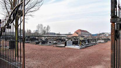 Kerkhof groener en langer open