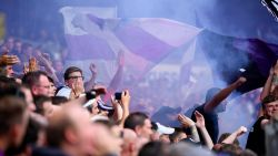 Anderlechtfans ontevreden over sluiting tribune na voetzoeker richting Mignolet