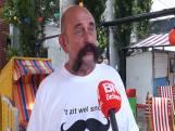 Drie deelnemers en verdwaalde ober bij Snorrenparade