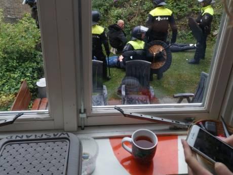 ME houdt tientallen voetbalsupporters aan na demonstratie in Wageningen; enorme politie-inzet
