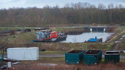 Oude scheepswerf al jaren zonder vergunning in natuurgebied