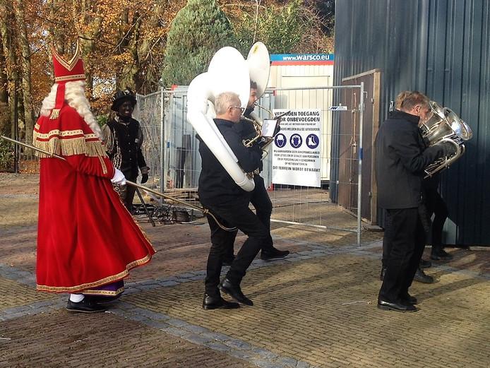 Sinterklaas met zijn 'opvallende actie' in Helvoirt.