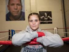Rooise Alicia Holzken gaat vanavond voor wereldtitel kickboksen