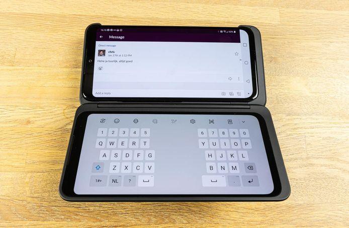 De LG G8X ThinQ, opengeklapt.