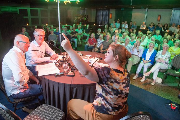De eerste editie van het nieuwe praatprogramma Kleur in Loosbroek was een succesvolle.