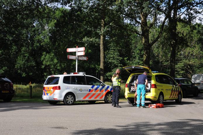 Hulpverleners op de plek van het ongeval in Wijhe.