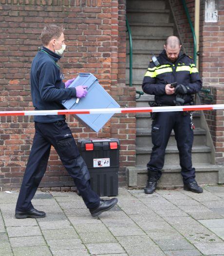 Dode gevonden in tuin aan de Jan Wapstraat, politie doet onderzoek
