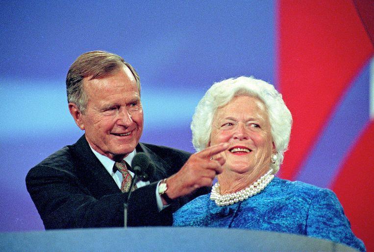 George H.W. Bush met first lady Barbara Bush.