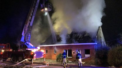 """Boerderij gaat in vlammen op in Essen : """"Veel steun van vrienden, familie en buurtbewoners"""""""