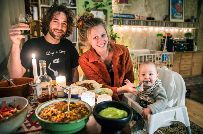 Rubriek Aan Tafel.v.l.n.r.Pim, Marleen en Hannah.(Den Haag 08-01-19) Foto:Frank Jansen