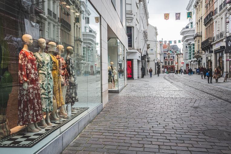 Amper volk in de Veldstraat in Gent (archieffoto, foto ter illustratie).