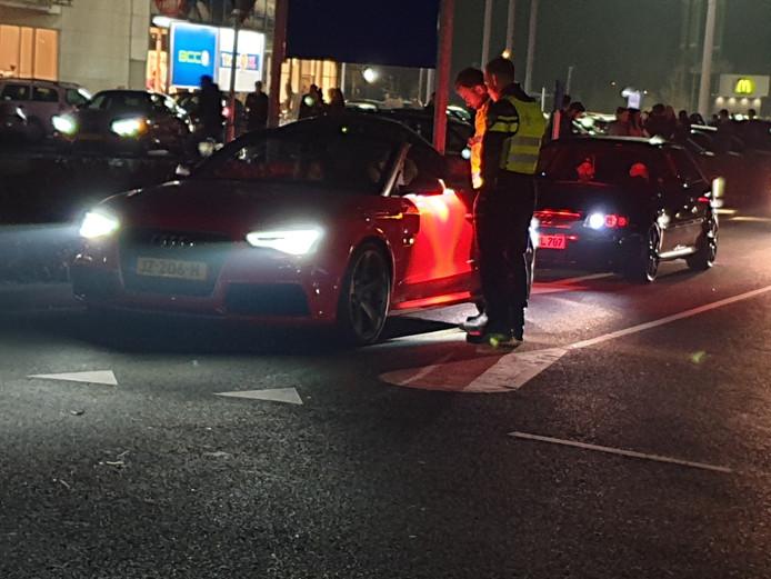 De politie maakte in april van dit jaar een eind aan een zogenaamde car-meeting op Plein Westermaat.