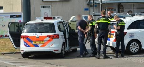 Bedreiging met mes laat winkelbediende van pompshop in Breda koud, dader is 34-jarige Pool