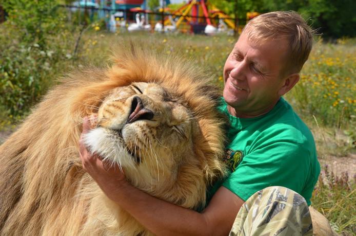 Oleg Zubkov est connu pour sa relation avec les lions