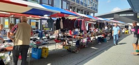 """Kidswarenmarkt in Hengelo: """"We gaan pas weg als alles leeg is"""""""