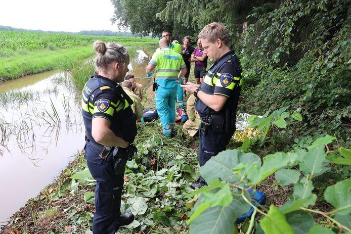 Mountainbiker zwaargewond na val in diepe kuil in de bossen bij Veldhoven en Riethoven.