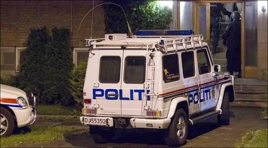De woning van de opgepakte verdachte wordt doorzocht. Het gaat om een woning in het westen van Oslo.