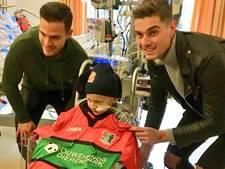 NEC-spelers verrassen ernstig ziek zoontje van burgemeester Heerlen