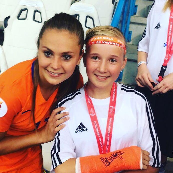 Eline en Lieke Martens.
