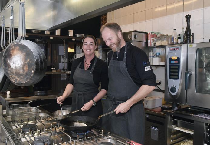 Marlies Keukelaar en Cees Verspuij runnen het restaurant.