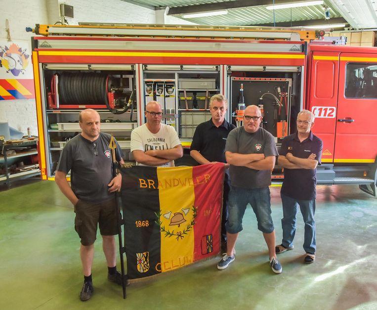 Leden van het vrijwillige brandweerkorps van Geluwe.