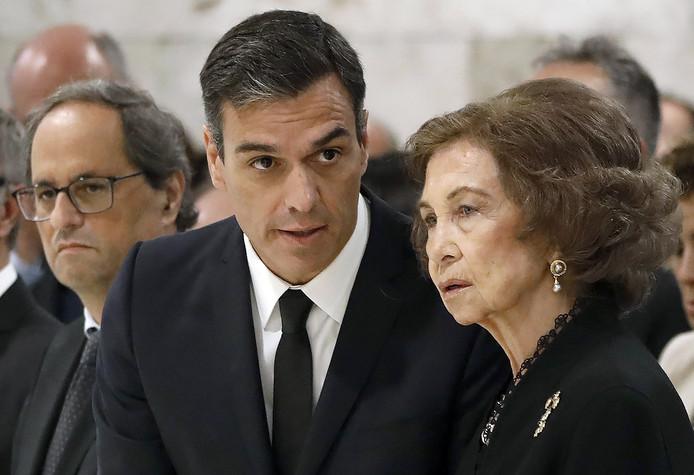 Koningin Sofia en premier Sanchez waren bij de plechtigheid aanwezig.